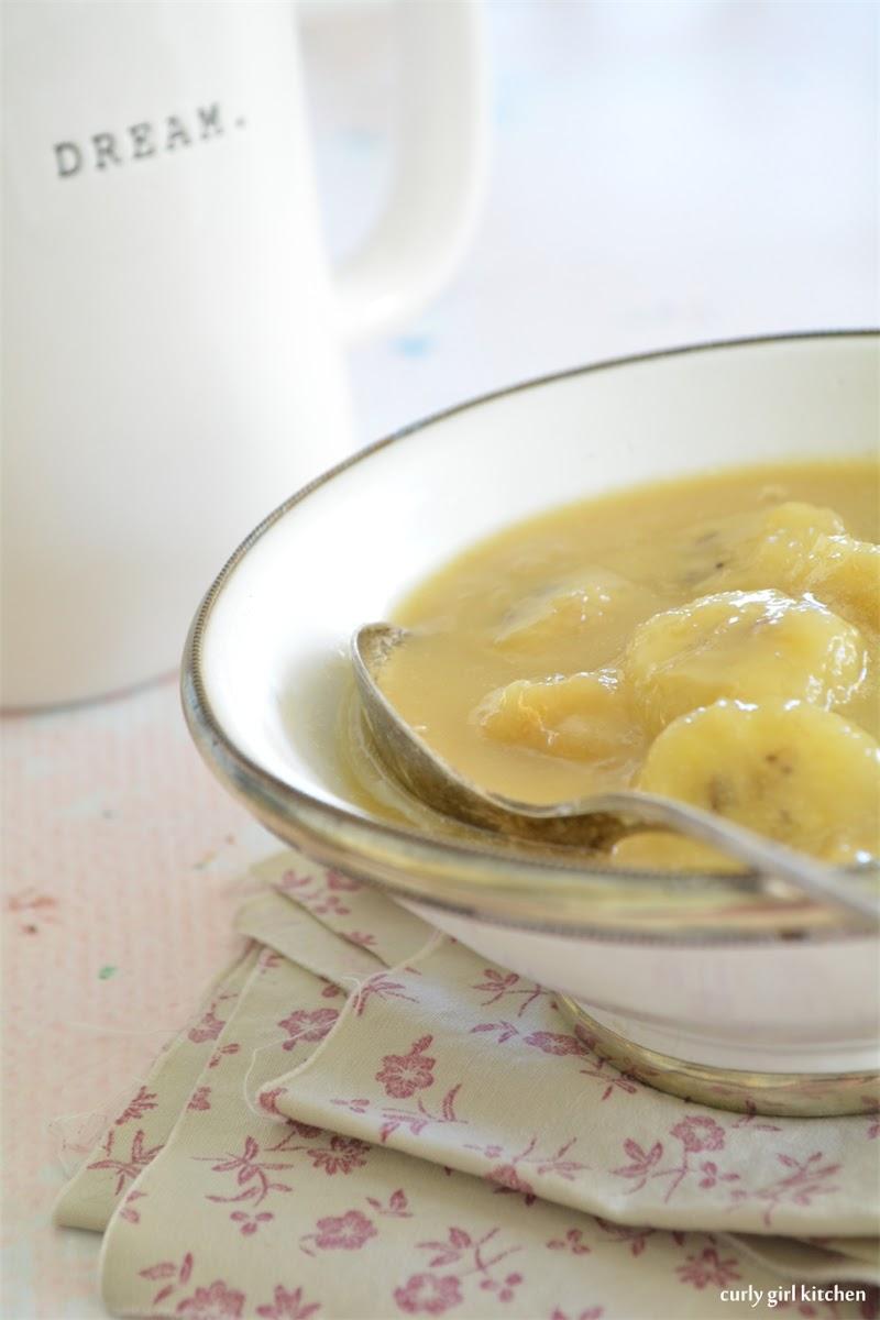 Oatmeal with Caramelized Bourbon Bananas