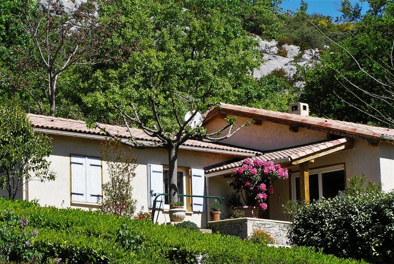Vendu villa a peipin sisteron sud 04200 for Jardin 04200