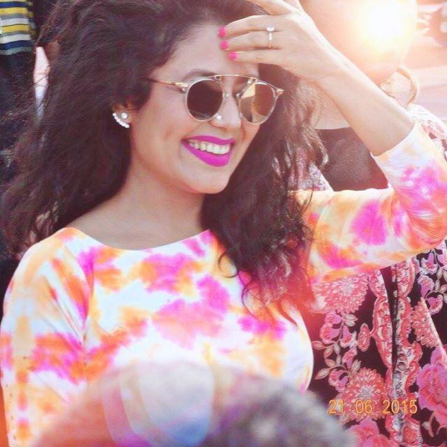 Neha Kakkar wallpapers 2017 Beautiful Smile Dimple