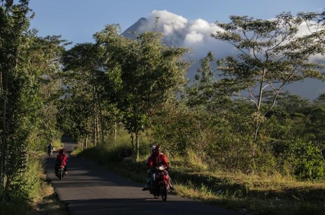 Akibat Aktifitas Gunung Merapi, Hujan Abu Landa Boyolali