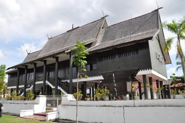 Rumah Adat Provinsi Kalimantan Tengah , Rumah Betang