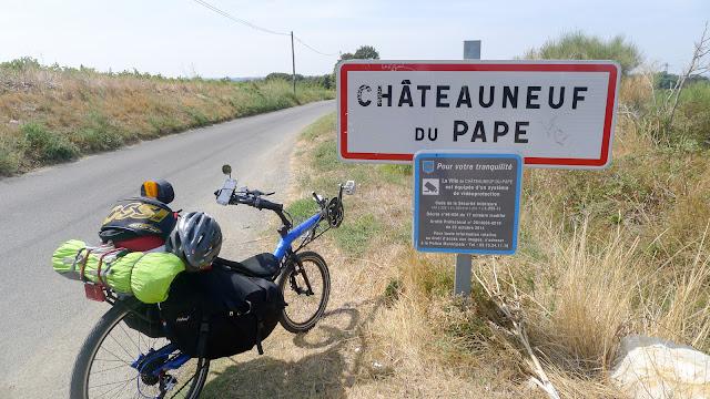 De Paris à Narbonne en vélo, Châteauneuf-du-Pape