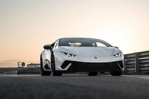 lamporghini huracan mobil review