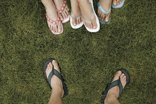 5 Ways Flip-Flops Are Wrecking Your Feet