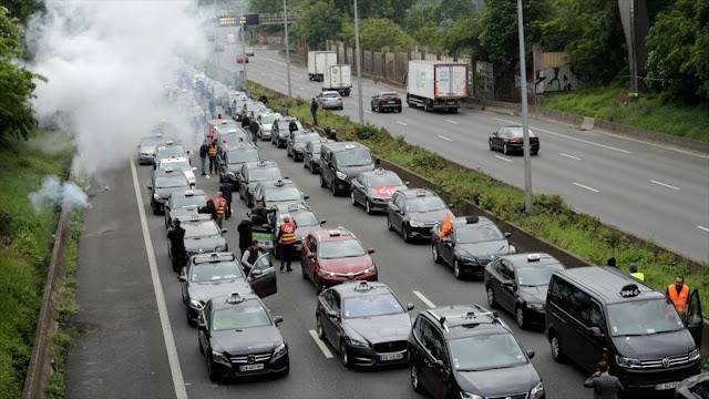 Taxistas franceses protestan contra Ley de la Movilidad