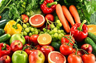 Makan buah dan sayur mengurangi resiko penyakit jantung, stroke dan beberapa penyakit kanker