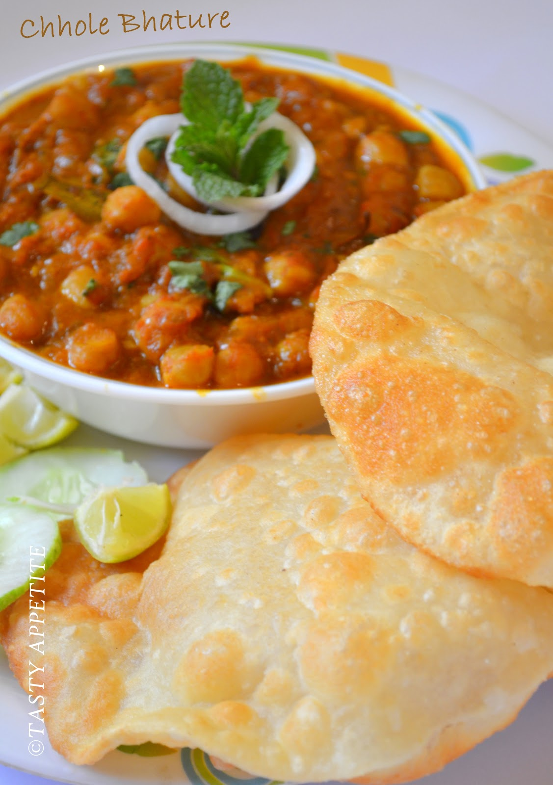 indian food : chole bhature