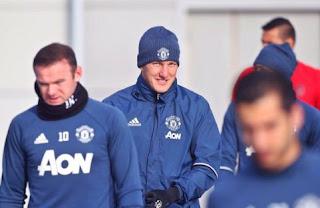 Schweinsteiger Kembali Berlatih Bersama Tim Utama Manchester United