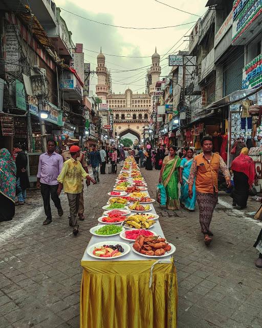 चार मीनार की इफ़्तार, Iftar party at Char Minar