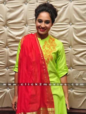 Pooja Ramachandran Hot Stills with Punjabi