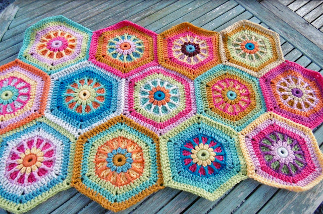 Susan Pinner: SPIKE STITCH AND FRONT POST HEXAGON BLANKET/SCARF PATTERNS