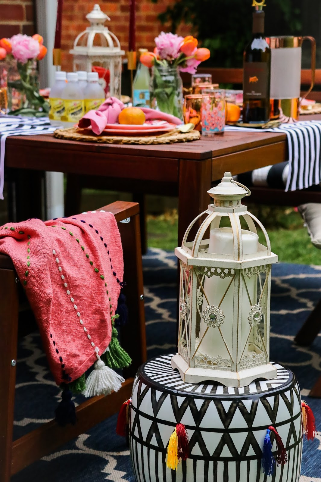 patio entertaining, picnic table setting, target style, dc blogger, lifestyle blogger, fashion, style, backyard party, myriad musings, saumya shiohare