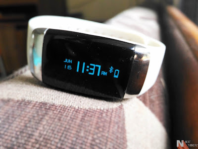 Lycos Life Smartband review connectivity