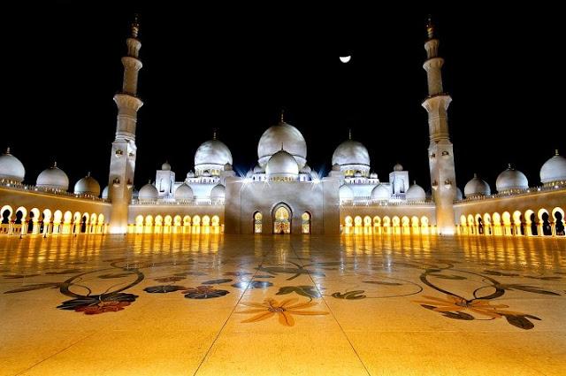 Kemegahan Tempat Ibadah di Dunia : Masjid Sheikh Zayed di Abu Dhabi