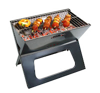Katlanabilen portatif ve küçük bir mangalda ızgara