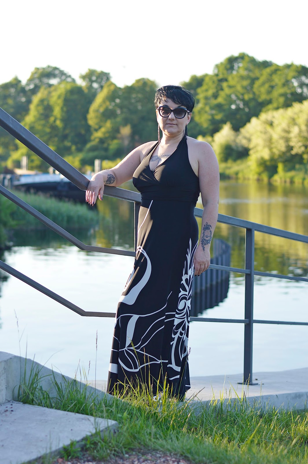 Black and white maxi dress, Over 40 style, Over 40 fashion