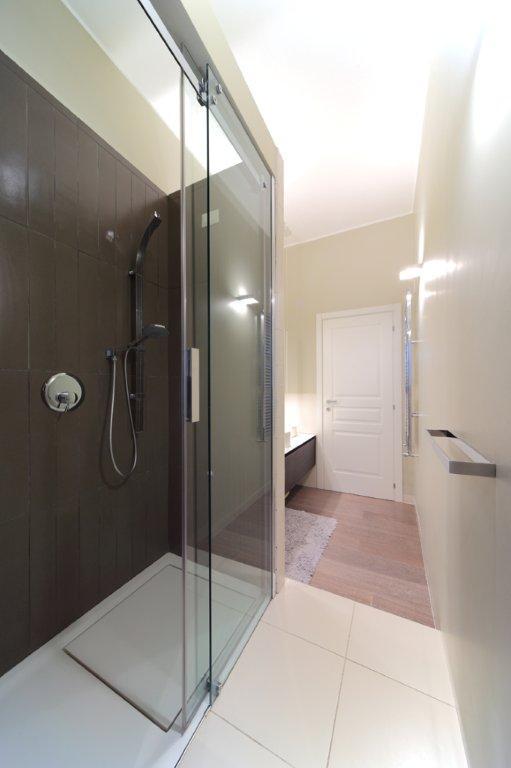 Interior relooking tutti i tipi di piatto doccia - Tipi di doccia ...