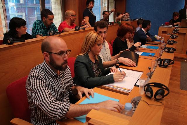 El concejal de Acción Social, Mikel Antízar, en el pleno