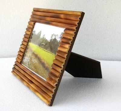Bingkai atau figura foto dari Bambu
