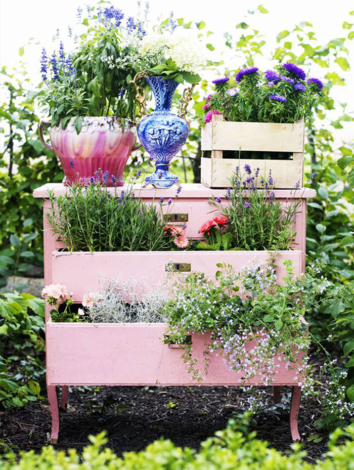 28 Creative DIY Ideas To Recycle Old Furniture Into An Enchanted