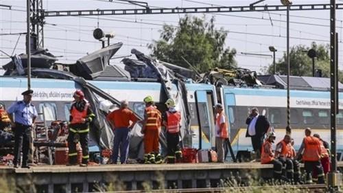 حدث منذ قليل .. اصطدام قطار يقل أعضاء بالكونجرس الأمريكي بشاحنة