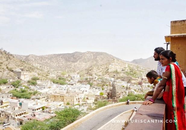 traveling di india