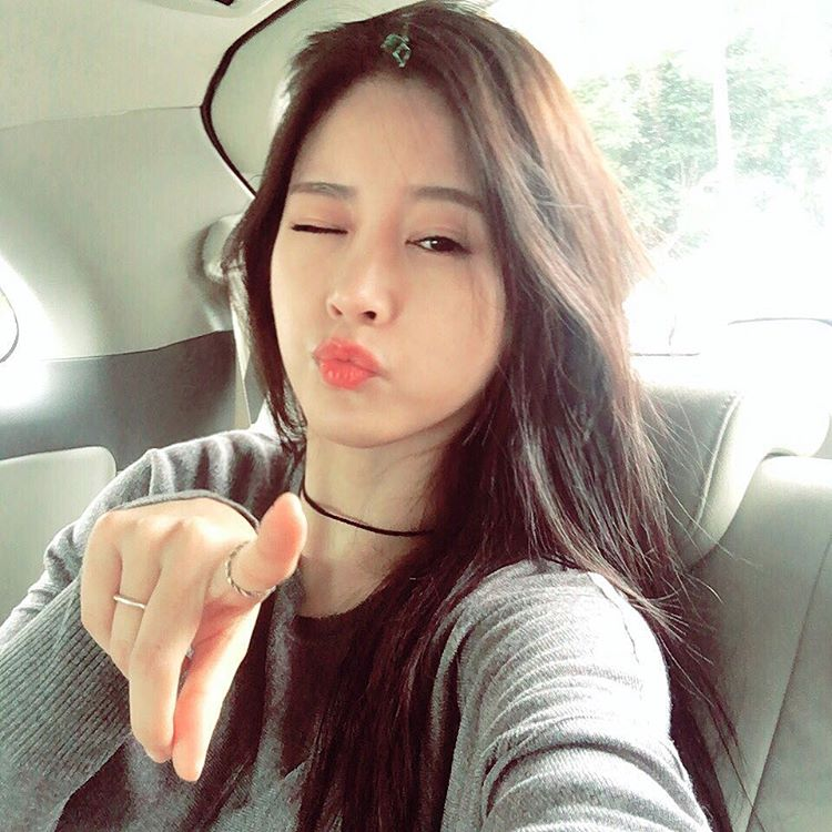 T-ara SoYeon updates fans with her cute SelCa pictures | T ...