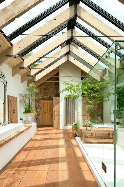 Pflanzen und Licht ins Bad – Bad im leeren Dachboden einrichten