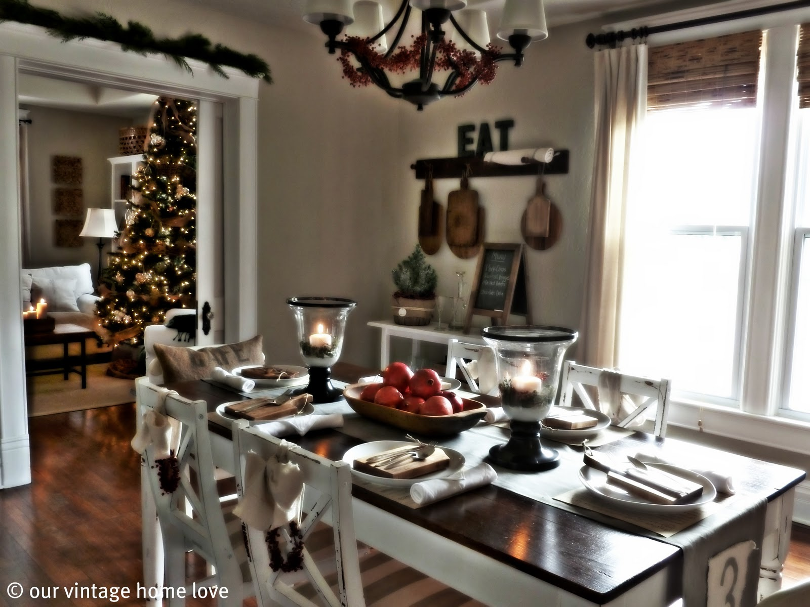 Vintage Home Love: Christmas Table Decor Ideas