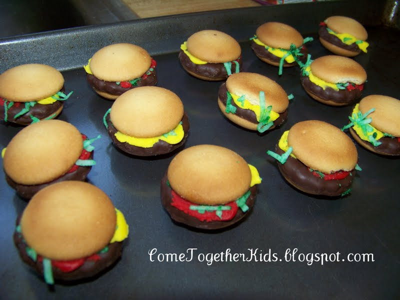 Fun food hamburger cookies