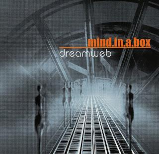 http://2.bp.blogspot.com/-0Xech61tYw8/UN5P13ug3eI/AAAAAAAAAUQ/fmskvDzNXjA/s320/Mind.In.A.Box+-+Dreamweb+-+Front.jpg