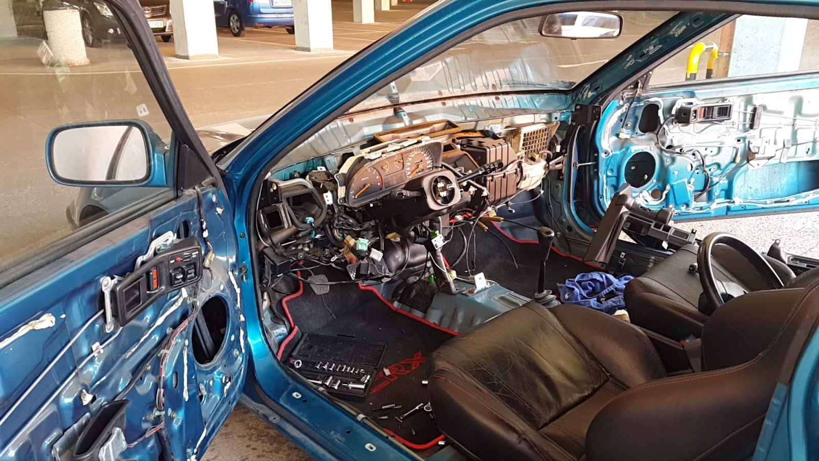 Interior - Dashboard removal