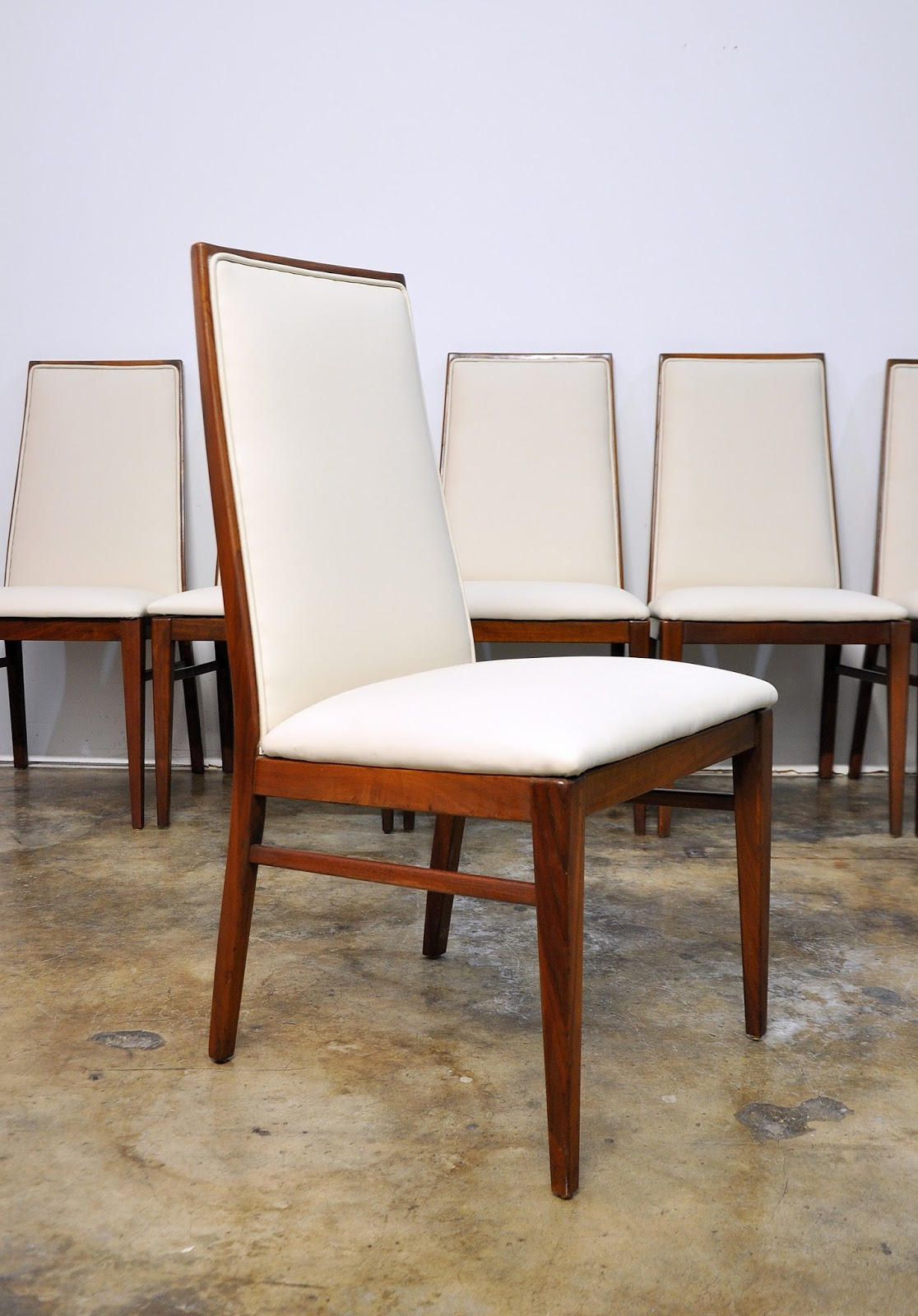 SELECT MODERN Set of 6 Milo Baughman Dining Chairs