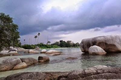 Pantai Tanjung Tinggi - belitung
