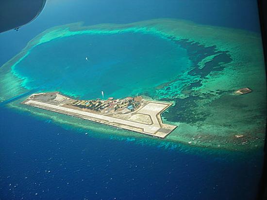 Ilhas Spratly - Construção e destruição - Aeroporto