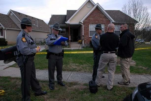 Shelbyville KY police shoot-kill teen who attacked officers with