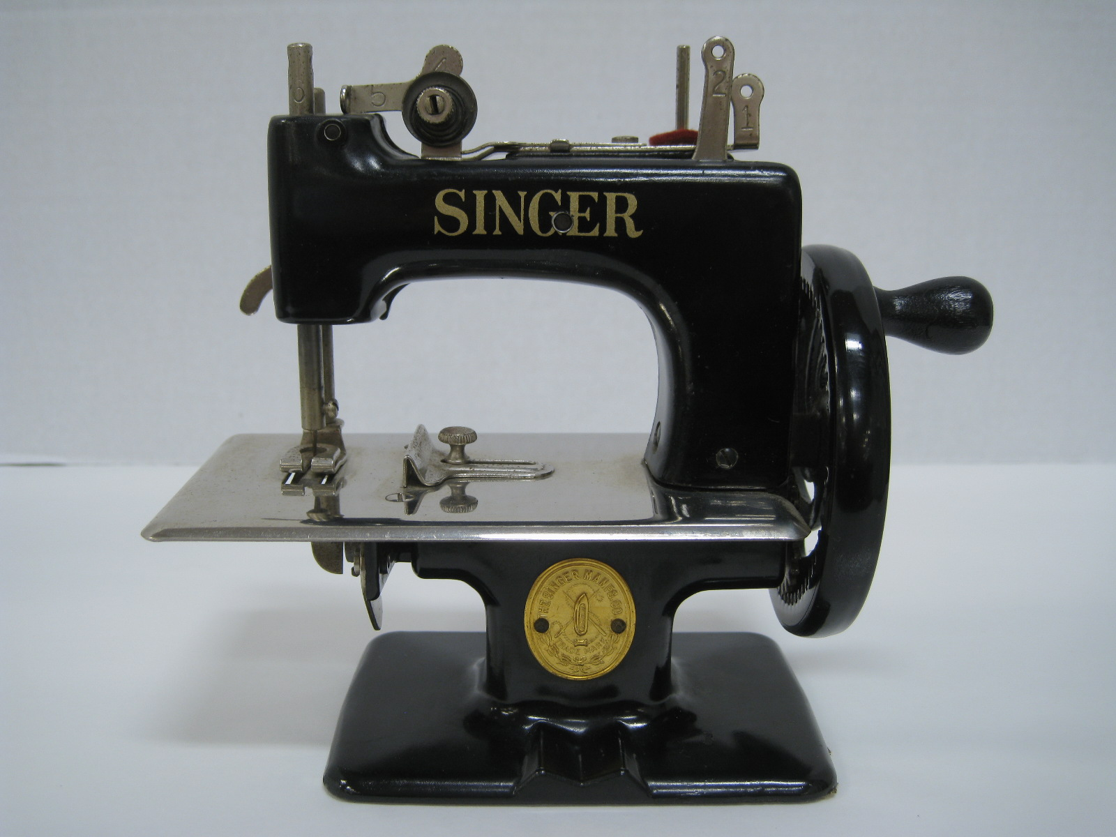 Antiques, Art, and Collectibles: Vintage Child's Singer ...