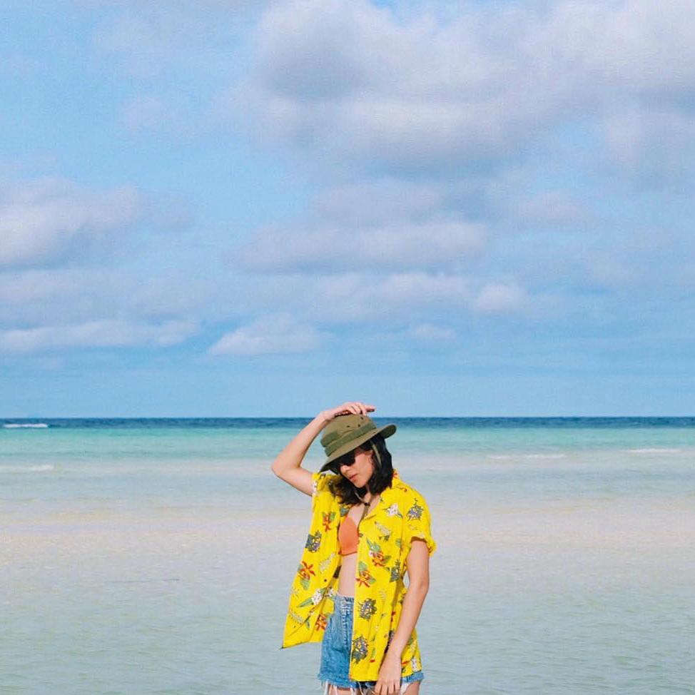 cewek gio cantik foto keren cewek di pantai