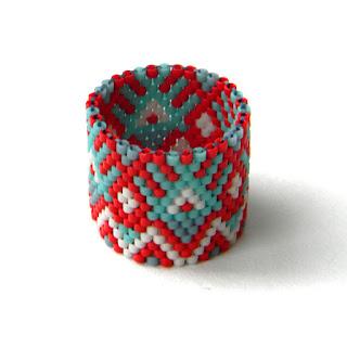 Широкое кольцо из бисера (с орнаментом) анна белоус украшения