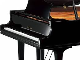 dan Grand Piano Yamaha GC1 PE