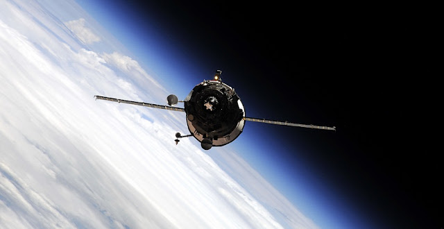 Russian Progress cargo spacecraft approaching ISS. Credit: Roscosmos