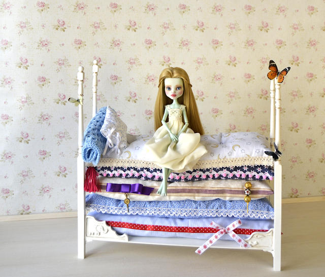 Custom Frankie Stein  The princess and the pea