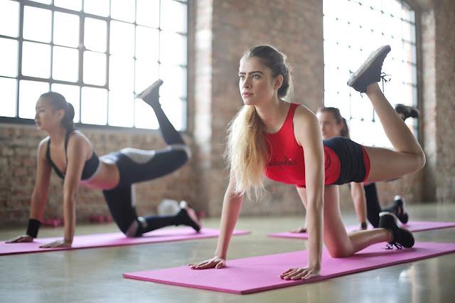 Bisnis Studio Yoga
