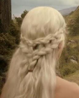Saçlarınız uzunsa model daha orijinal duracaktır. Kısa saçlarınız varsa çıt çıt saç kullanmalısınız.