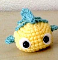 http://www.yarntreasures.com/flounder-ball-free-pattern/