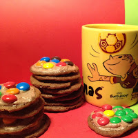 Bolachas de chocolate e M&Ms