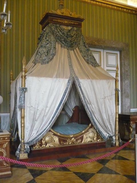 camera da letto nella Reggia di caserta