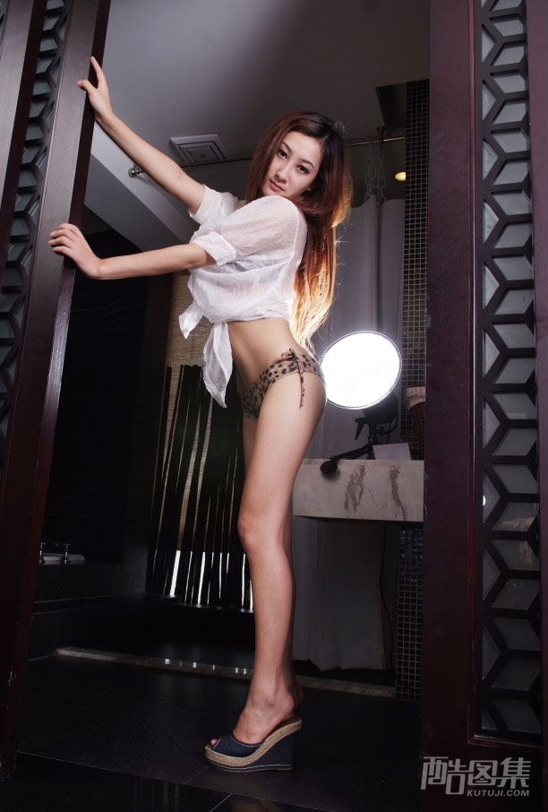 Very Beautiful Chinese Top model Xu Ying's slutty costume play and dirty naked photos leaked (374pix)