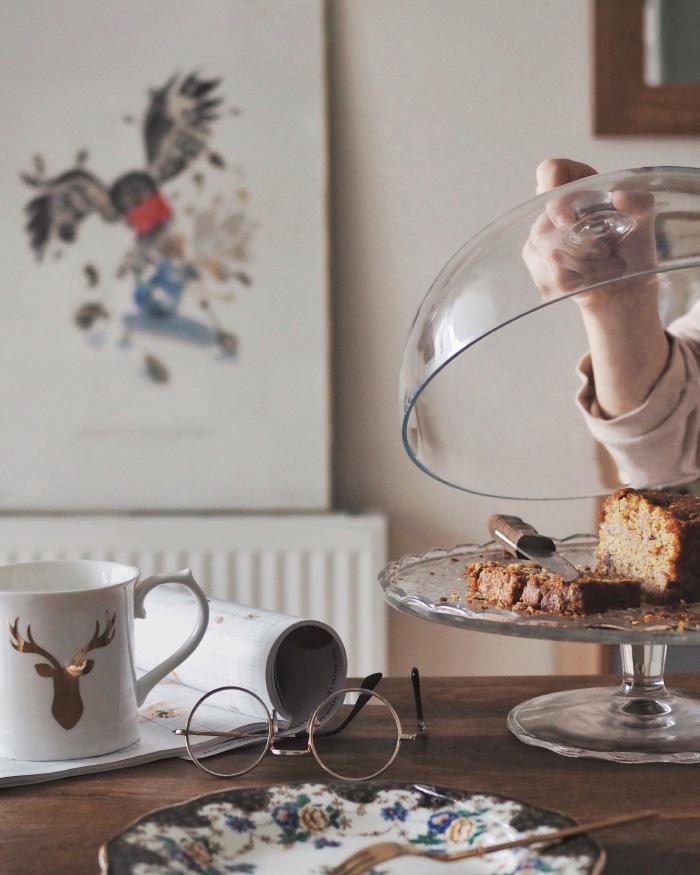 Recette de cake à la poire, aux noisettes et au chocolat