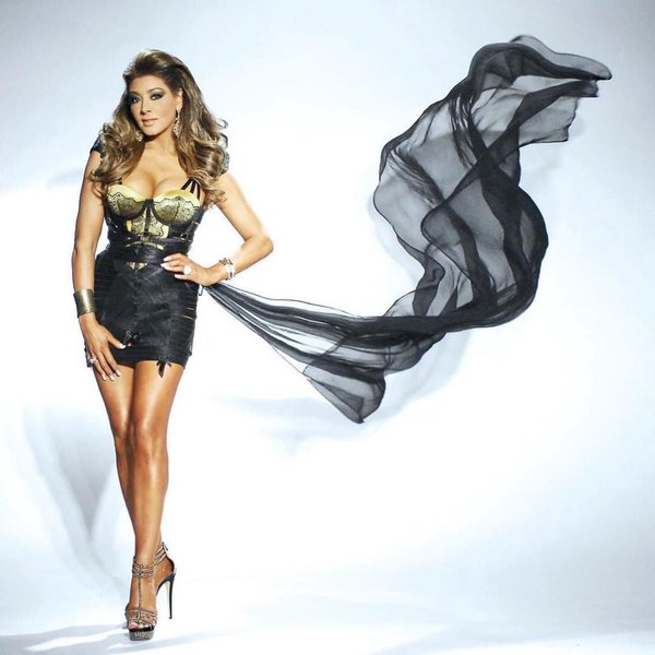 Topless Gina Liano  naked (25 pictures), YouTube, cleavage